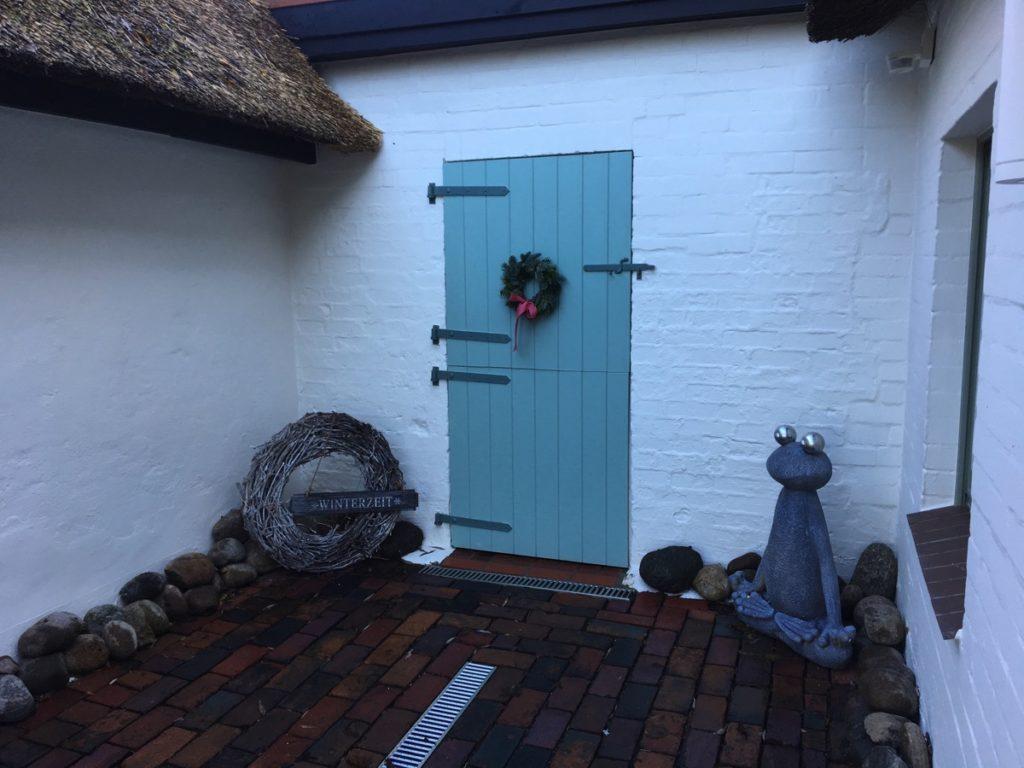 Eingang, blaue Tür